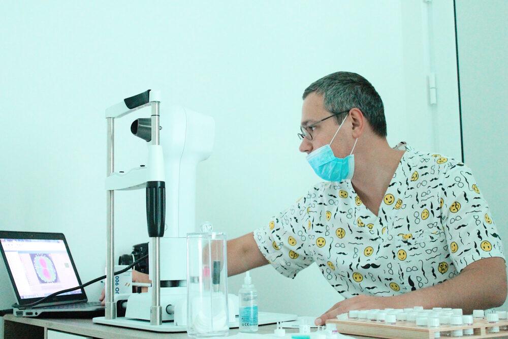 Максим Шеховцов — провідний офтальмолог із міста Київ